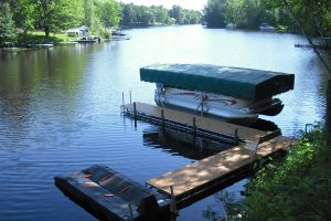 Floe Docks-Lake-Holcombe-WI